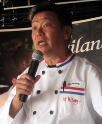 Chef lecturing